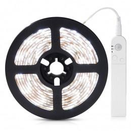 Banda LED cu senzor de miscare